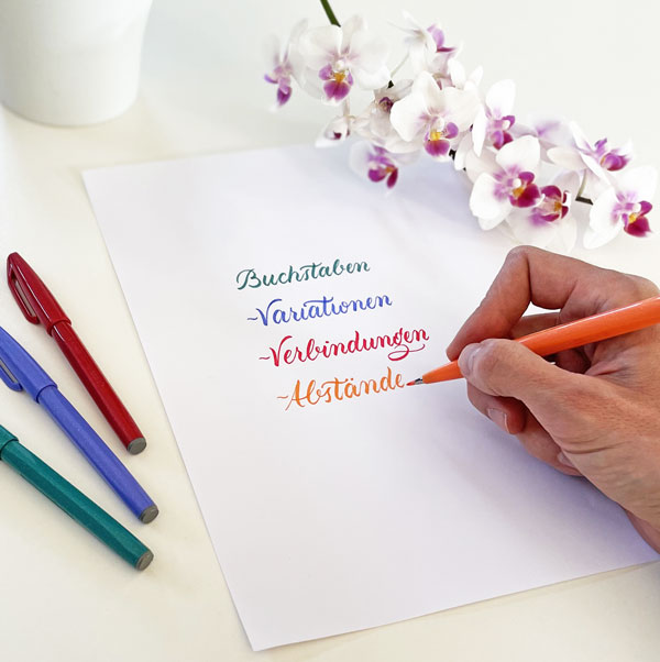 Brushlettering Buchstaben Variationen