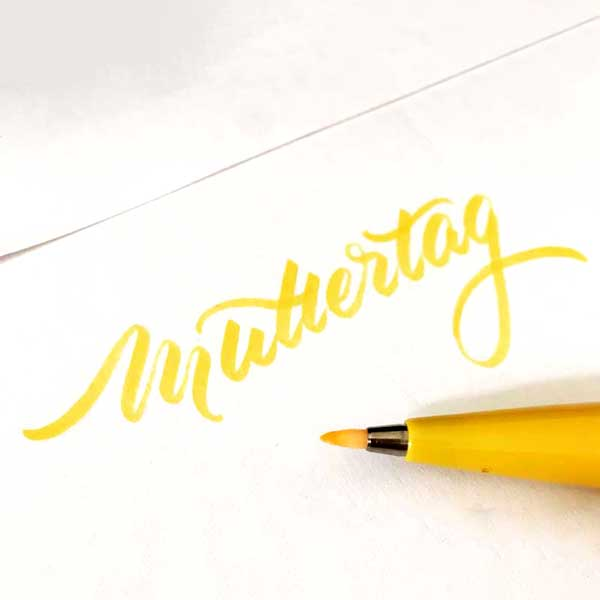 Brushlettering-Sign-Brush
